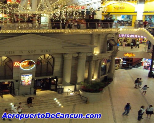 Plaza Forum en Cancun