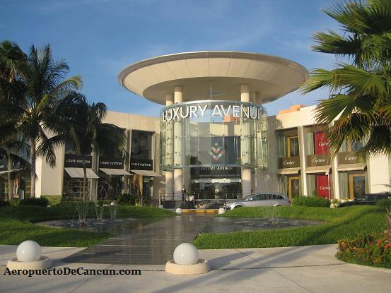 Foto de Luxury Avenue en la Plaza Kukulcan en Cancun